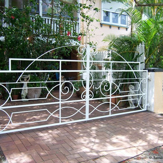 """Heritage"" listed premises  1 of 3 entrance gates to match existing front wall ironwork."