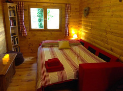 Log Cabin Lounge/sofa bed