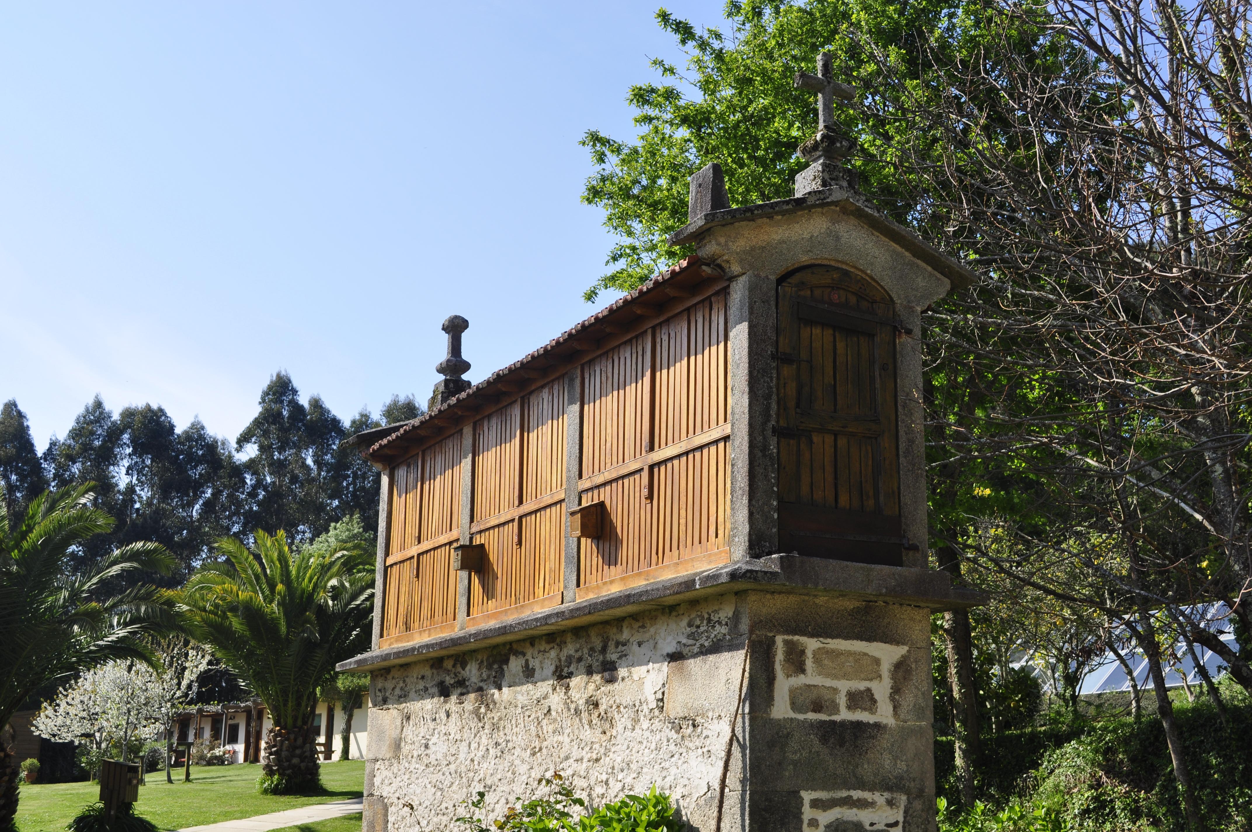 Hórreo de Alvarella