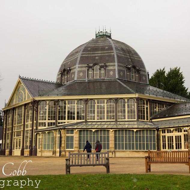 Pavilion glass house