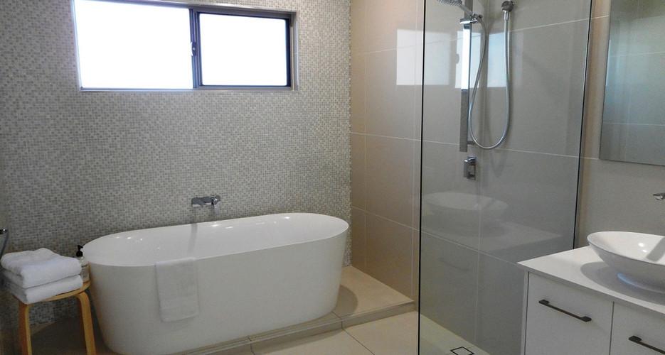 31.bath.JPG