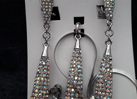 Crystal sliver chain and pedant set