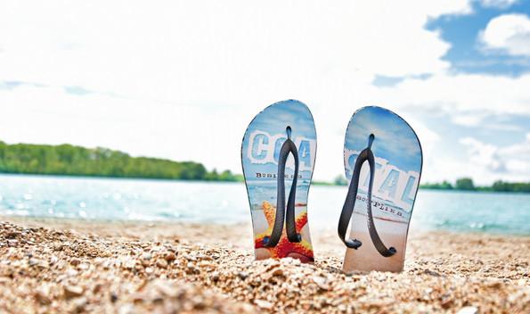 flipflops-beach-1.jpg