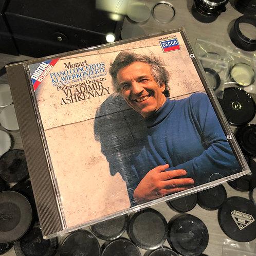 Mozart : Piano Concertos Klavierkonzerte N0. 8, K246 No. 9, K271 by Decca