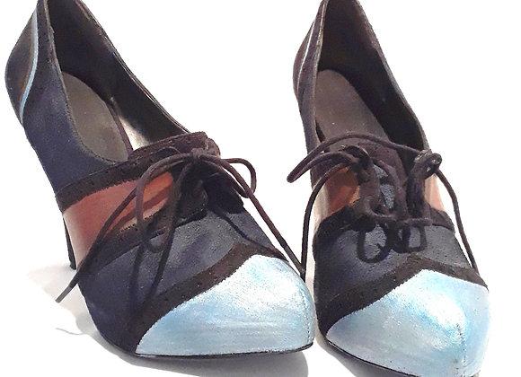 Neysa Lace Up Women's Shoe