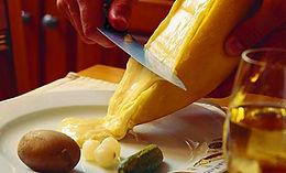 Raclette_et_vin_de_Savoie.jpg