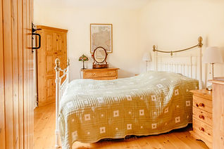 bed 3 riverton.jpg