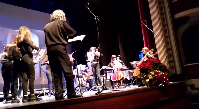 "Orquestra de Corda ""Come Together"".MP4"