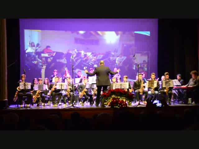 "Orquestra de Vent ""Moves Like Jagger"".mp4"
