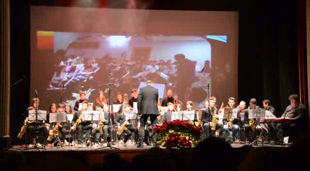 "Orquestra de Vent ""Hit the Bricks"".mp4"