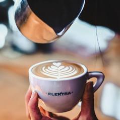 latte art foglia.jpg