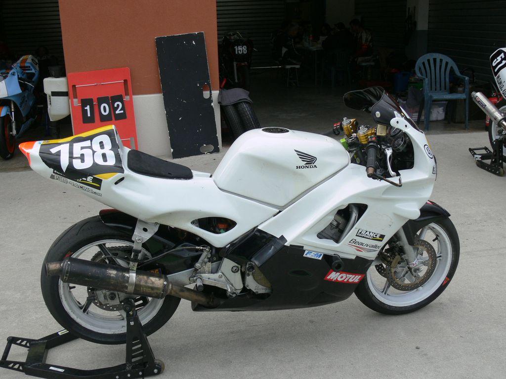 P1850763