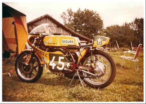 Yamaha_TD2_1973_02.jpg