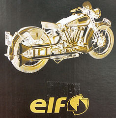 HUILE_BROUGH_SUPERIOR_ELF_03.jpg