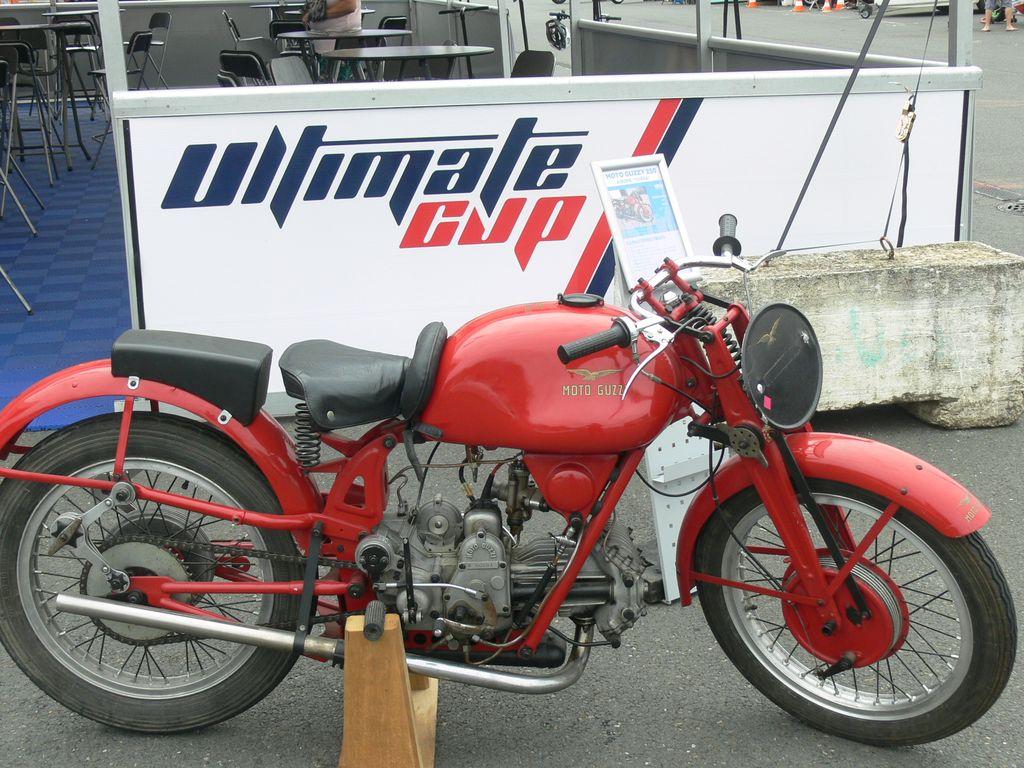 P1870355
