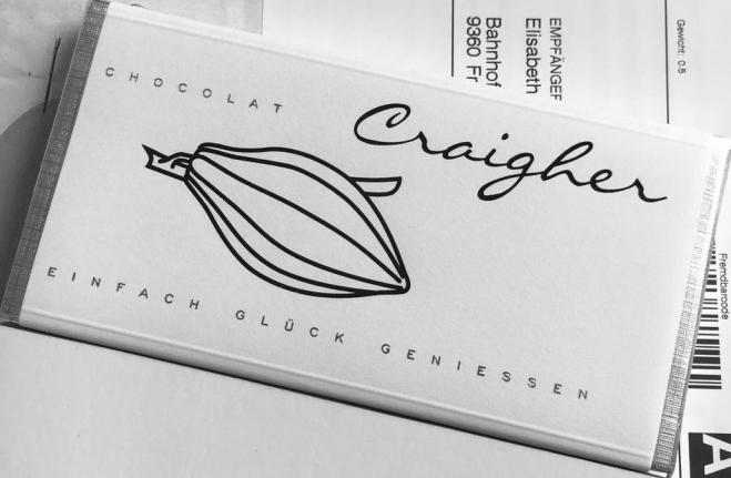 Ungefüllte weiße Schokolade