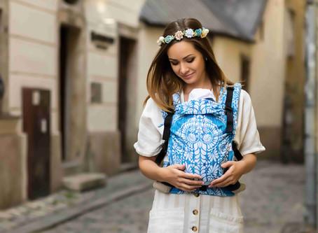 Nosič alebo šatka pre novorodenca?