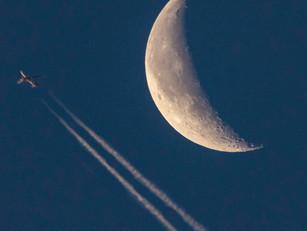 Cuando al amanecer se ve la luna