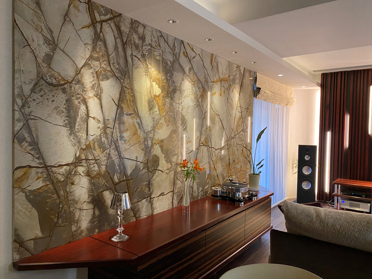 M邸 壁石
