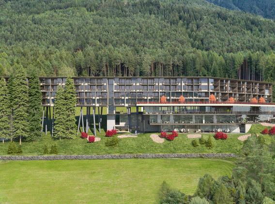 hotel-auf-stelzen-das-my-arbor-in-suedti