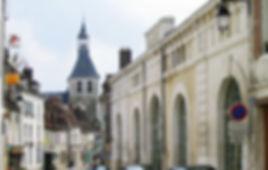 Brienon-sur-Armançon,_marché,_collégiale