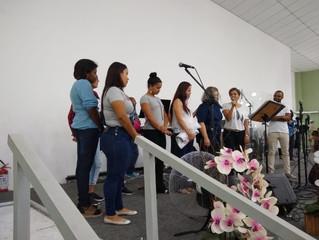 Região Leste comemora o batismo da Joyce