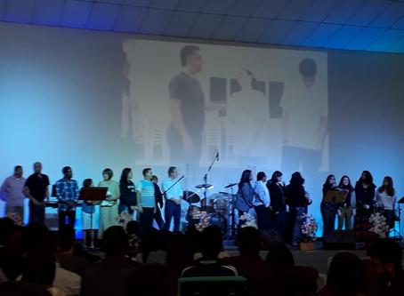 Igreja comemora o batismo D. Dinah e Robério da região Oeste