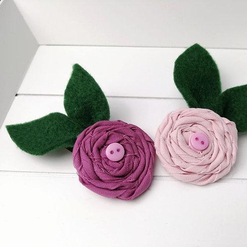 Haarspange Blume mit Filzblatt