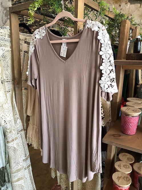 Shirt with Lace Sleeve