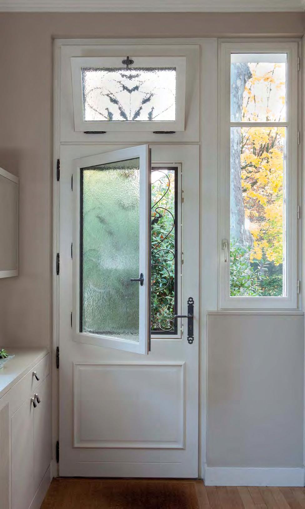Porte bois avec grille Versailles 78