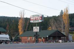 Edgewater Motel & RV Park