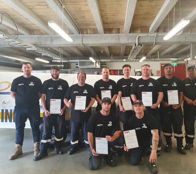 Team Oscar - Line Mechanic Graduates