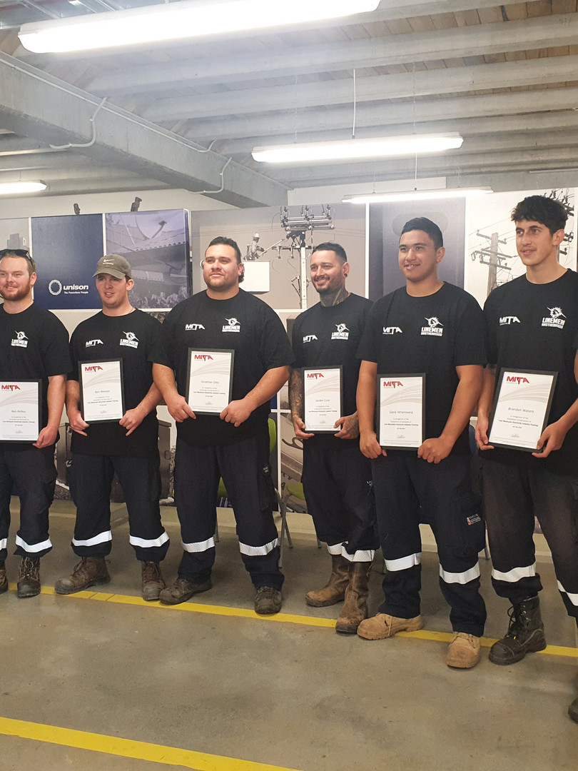 Team Quebec  - Line Mechanic Graduates