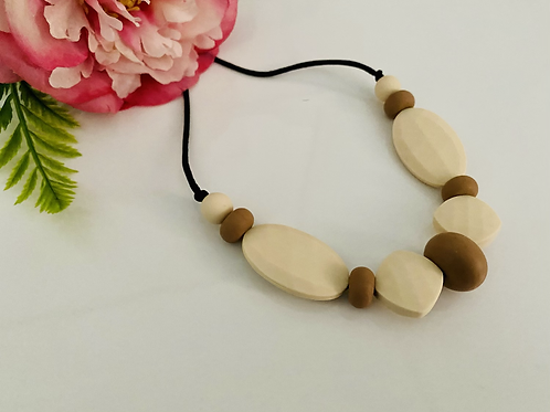 Cream/Beach Necklace