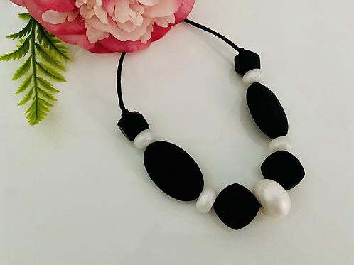 Black/White Necklace