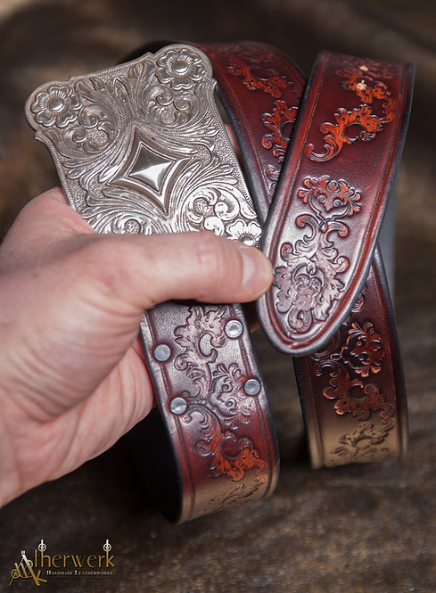 Ledergürtel rotbraun / Leatherbelt red-brown Size: 90-110cm