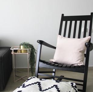 עיצוב פנים, עיצוב סלון, כיסא הנקה, כיסא