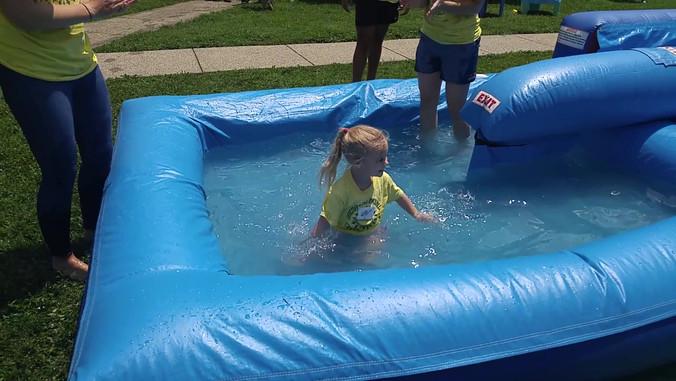 Making a splash on teh water slide