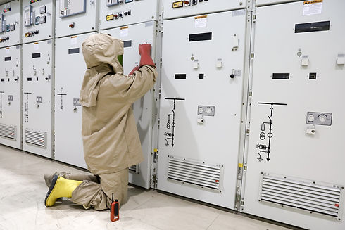 The electrician wear arc flash suit, ele