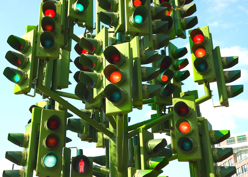 confusing-traffic-lights-at-a-busy-intersection_MytDkHvu SMALL.jpg