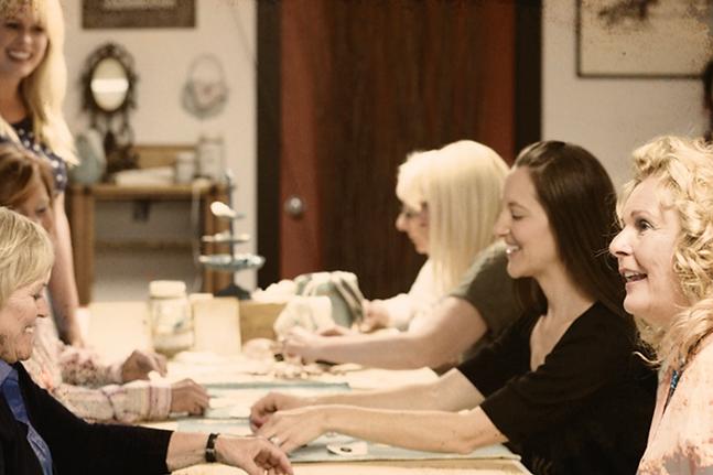 Women eating | iVision boad workshop