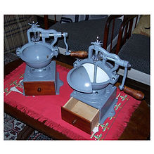 Máquina de moer café após ser restaurada