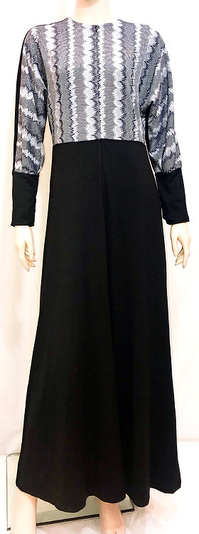 Modest Robe Front Zipper Black With Silver Deco