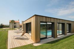 La terrasse de la piscine