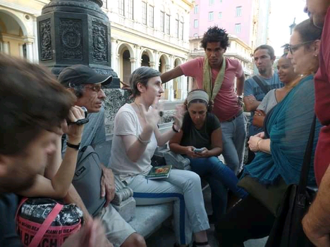 Taller Preguntas para el futuro de Cuba (2017), Olga Kopenkina. Imágen cortesía de Camila Lobón