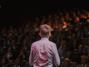 A Guide to Speaking in Front of a Crowd