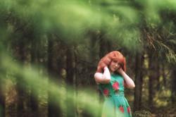 Художественная фотосессия в лесу