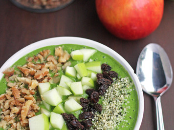 Recipe: Apple Pie Smoothie Bowl