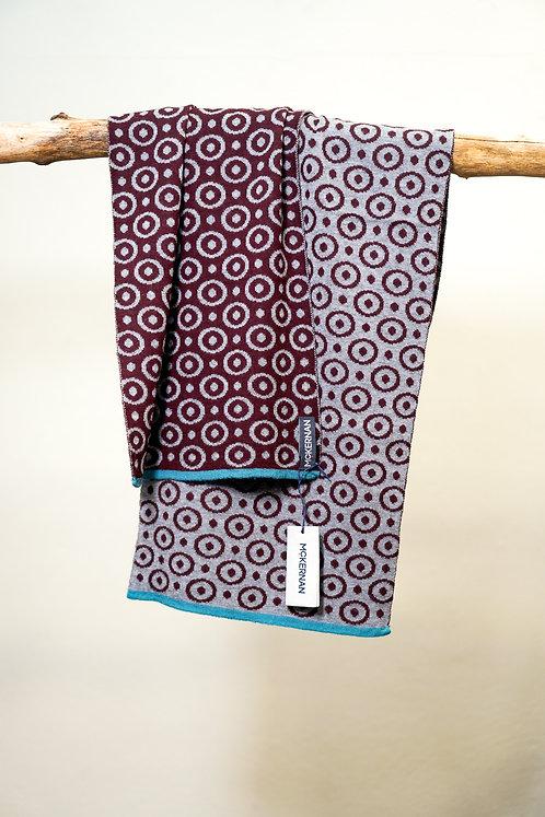 McKernan PLUTO Schal mit modernem Muster
