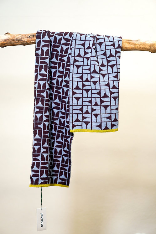 McKernan TRUMPET Schal mit modernem Muster